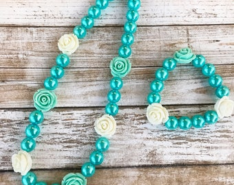 Blue Pearl Necklace, Flower Girl Bubblegum Necklace, Flower Bracelet, Kids Gift, Floral Necklace, Flower Jewelry, Chunky Bubblegum