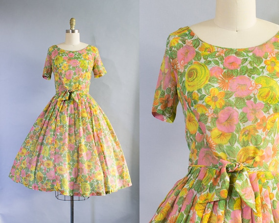 1950s Floral Day Dress/ Small (36B/25W)