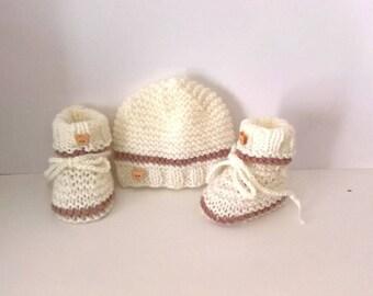 ensemble bebe chaussons bonnet naissance 0 3 mois bleu ruban. Black Bedroom Furniture Sets. Home Design Ideas