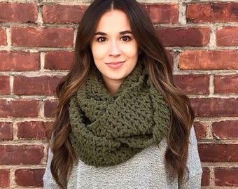 Blanket Scarf, Infinity Scarf, Olive Scarf, Green Scarf, Crochet Scarf, Chunky Scarf, Chunky Crochet, Circle Scarf, Fall Accessory, Winter