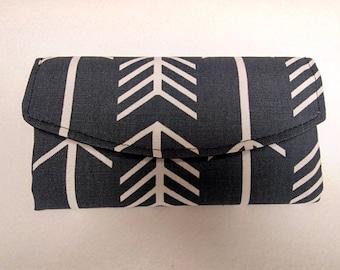 Women's Gray Tri Fold Wallet with Arrows