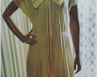 Retro Vintage Dress Cream Colour 1970s Fashion