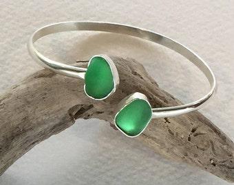 B15 - Green glass bracelet