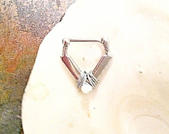 Art Deco V Septum Clicker, White Alabaster Stone wire wrap, 16g, 316L Surgical Steel straight bar, DAITH.