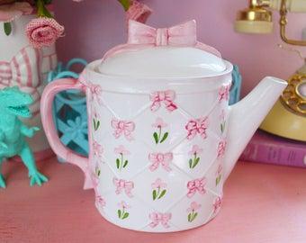 Vintage Pink Bows Teapot