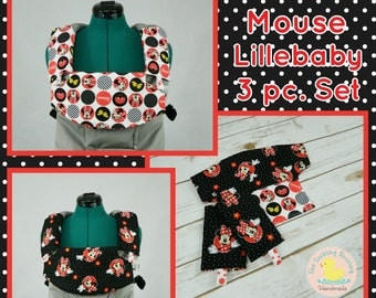 Pre-Order** Minnie Mouse Lillebaby Carrier Headrest Bib w/ Straight Drool Pads, Fully Reversible 3 Pc. Set