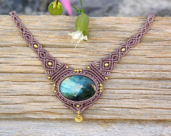 Macrame Necklace Mod. Susana, with precious LABRADORITA, fairy necklace, goddess jewelry, nickel free, talisman yoga, amulet stone, brass