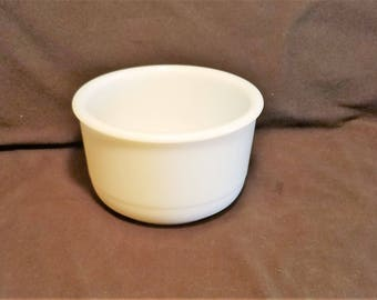 MIXING BOWL GLASS Milk Heavy White Oven Proof  Serving Country Kitchen Farmhouse  Rustic Vintage