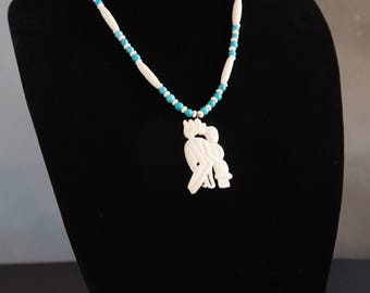 70's handcarved Indonesian pendant necklace