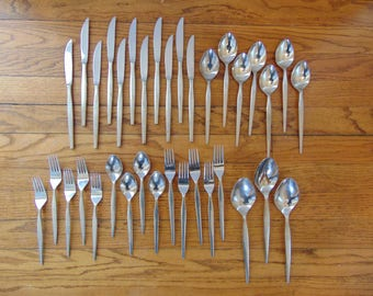 Epic Prince Pattern Flatware 35 Pieces