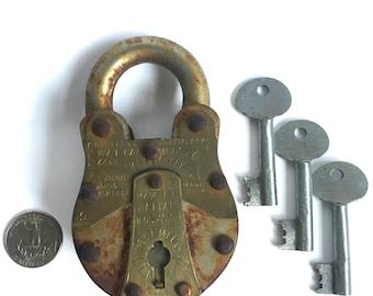 1990 Vintage Padlock - Lock & Key