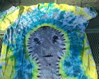 XXL Grey Alien in Spring Tie Dye T-shirt