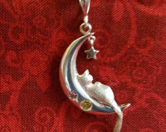 CP088 Vintage Sterling Silver Necklace with Cat in the Moon Pendant