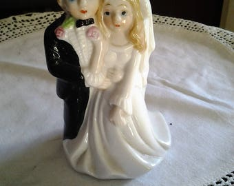 Vintage Bride and Groom Blonde Haired Cake topper