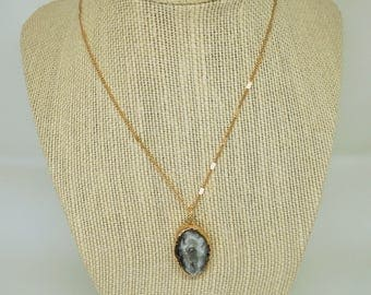 AGATE SLICE Gemstone specialty chain necklace