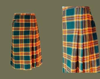 Long wool Kilt skirt with pockets green tartan plaid pleated midi skirt handmade Vintage 1980s size Large US 12