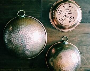 Vintage Set of Hammered Copper Mixing Bowls + Colander / Set of Three (3) Hanging Copper Bowls