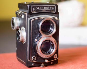 ROLLEICORD III • Vintage Medium Format Film Camera