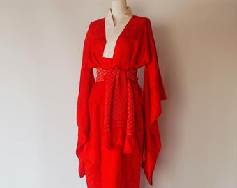 1950s Antique Japanese Kimono / Brilliant Red With Watermark Pattern / Silk Dressing Gown