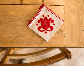 Napkins - Beautifully embroidered Katolaszeg pattern