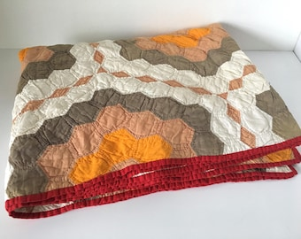 Beautiful Vintage Hand-stitched Cotton Geometric Twin-Sized Quilt