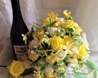 Yellow rose bouquet,Large bridal bouquet yellow,Spring wedding bouquet yellow roses,Yellow foam rose bouquet,Yellow and white bridal bouquet