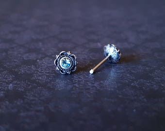Aqua Centered Floral Design Nose Stud (20G)