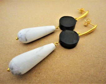 White Drop Earrings with Black Onyx. Howlite Earrings. Onyx Earrings. Black & White Earrings Gold Earrings Classic Earrings Wedding Earrings