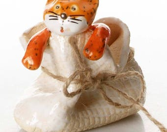 Ginger Cat in Bag | Gift for a Cat Lover | Quirky Gift or Home Decor | Beautifully Hand Made Ceramic | The Cat is out of the Bag