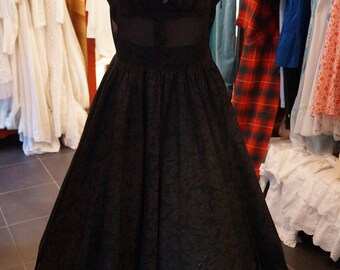Black evening dress from the 50s. Size eu 38 M / UK 12 / US 8. waistline 30 inch.