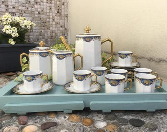 """LIMOGES D.R.B - Fine French Porcelain Coffee/Tea Service """"Art Déco"""" - Service of 8 Cups and 11 Saucers, Pot, Sugar Bowl and Milk Pitcher"""