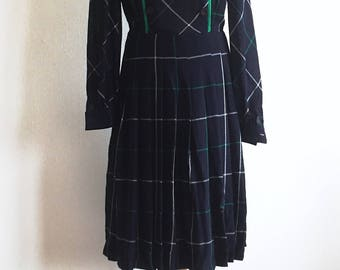 Darkblue check motif pleaded dress