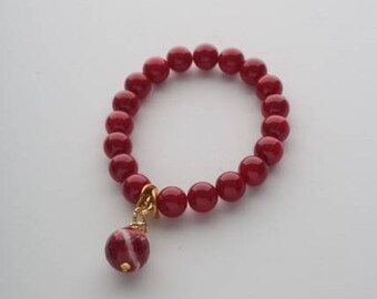 Bracelet with red jade and agat stone. Natural stones 10mm
