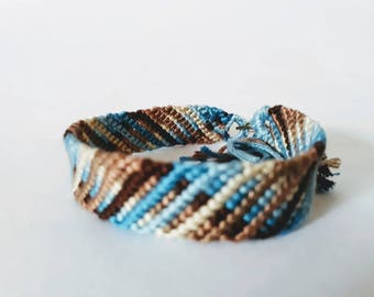 model: chocolate drops (friendship bracelet 12 threads)