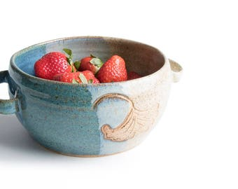 Blue and Beige Ceramic Berry Bowl / Ginkgo Berry Bowl / Ceramic Colander / Pottery Berry Bowl / Handmade Berry Basket /IN STOCK