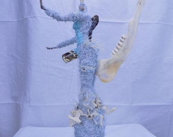 Toad Radiation Queen of Swamp Taxidermy skulpture, Spiny textured