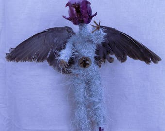 Vixan  Airborne Vertibate Fairy dove winged Demon Taxidermy skulpture