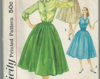 Vintage sewing pattern Simplicity 1887 separates skirt and shirts size 12