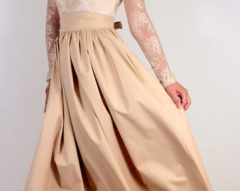 Long dress in beige