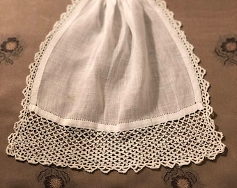 Linen and Lace Jabot