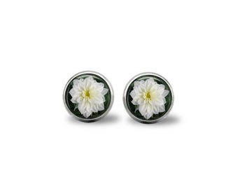 White Dahlinova Flower Earrings