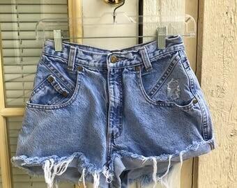 Zena Vintage High Waisted Jean Shorts Size 26