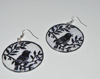 decor perched bird earrings