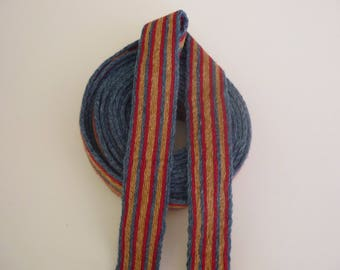 Galon cards, wool, sold to 4 inch length. 1,18 inch wide.