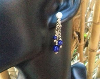 Earring in 925 sterling silver, adorned with a lapis lazuli and fresh water Pearl chip