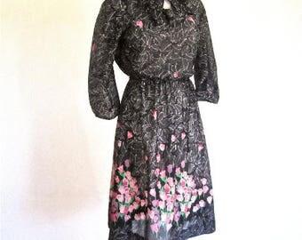 M 70s 80s Black Purple Secretary Day Dress Studio 54 Disco Nightclub Poly Graphic Print Floral Bow Puff Sleeves Medium