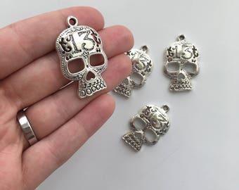 4 '13' Skull Charms