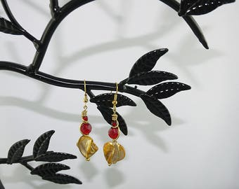 BUCKLES of ears Pearl yellow and Red Crystal on plated gold