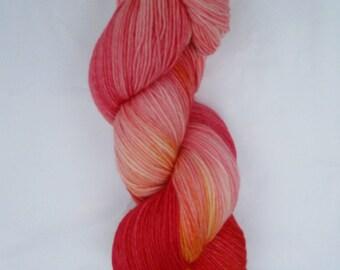 Hand Dyed Superwash Merino Nylon 4ply sock yarn 100g 400m - Pink On Fire