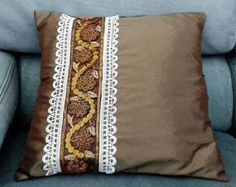 Glazed in Brown taffeta cushion 40 x 40 cm and its Lyon silk hand embroidery